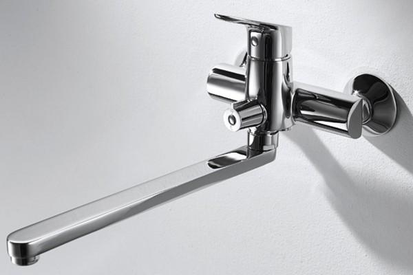 Смеситель Bravat Drop для ванны с длинным изливом (без аксессуаров)
