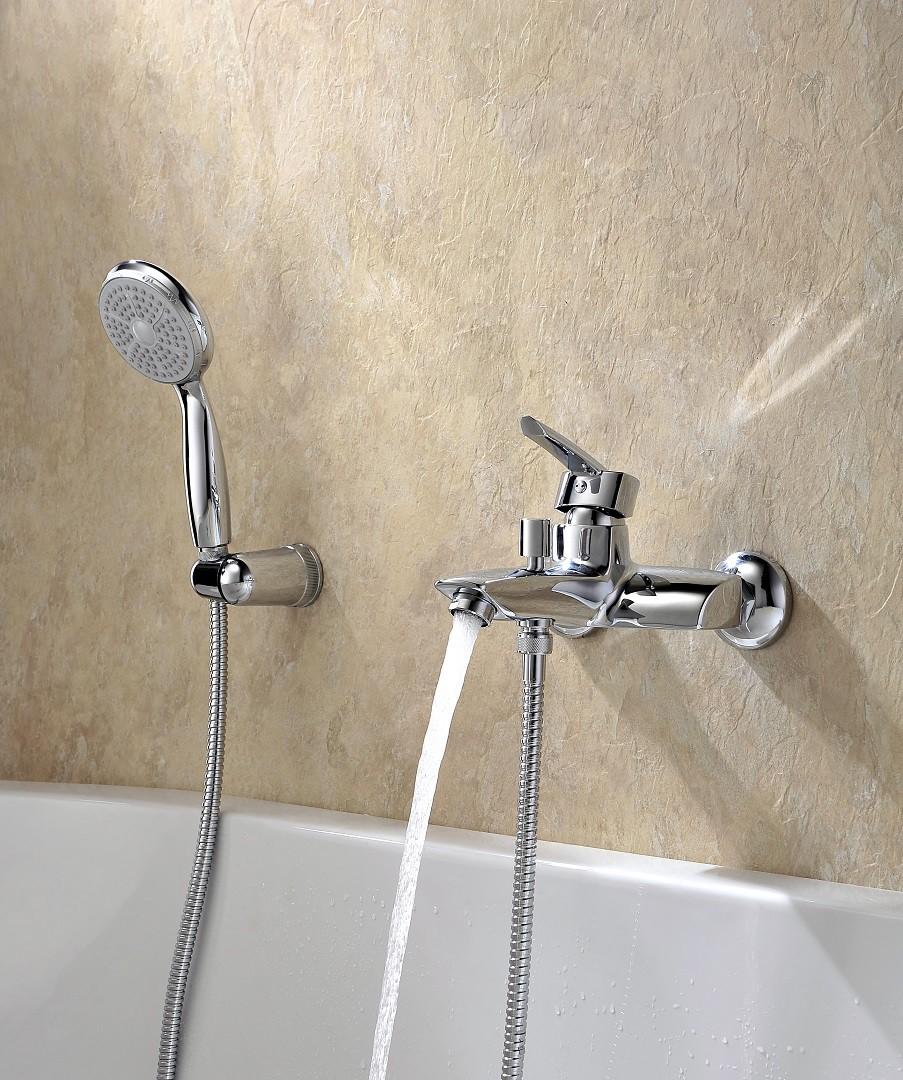 Смеситель для ванны Lemark Mars с коротким изливом