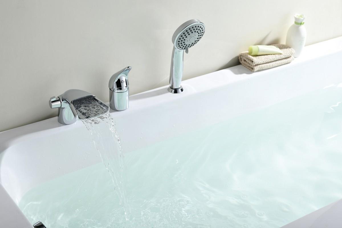 Смеситель на борт ванны Lemark Poseidon на 3 отверстия