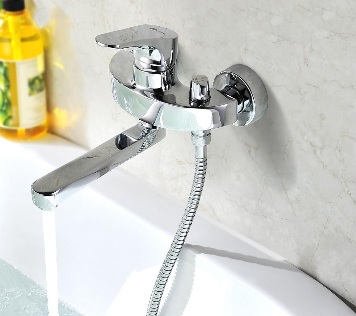 Смеситель для ванны Lemark Shift с поворотным изливом 175 мм