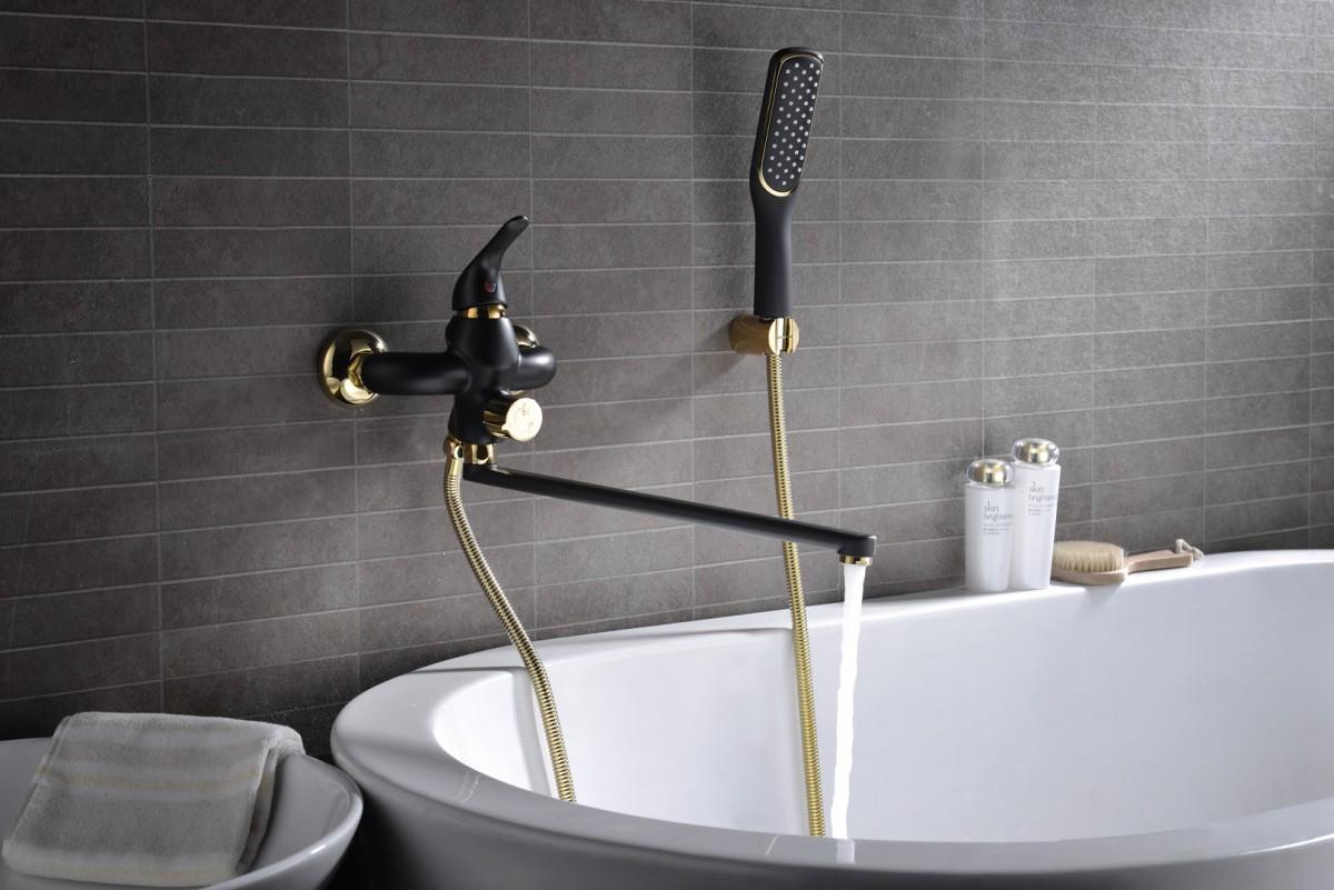 Смеситель для ванны Lemark Swan с поворотным изливом 350 мм, черный/золото