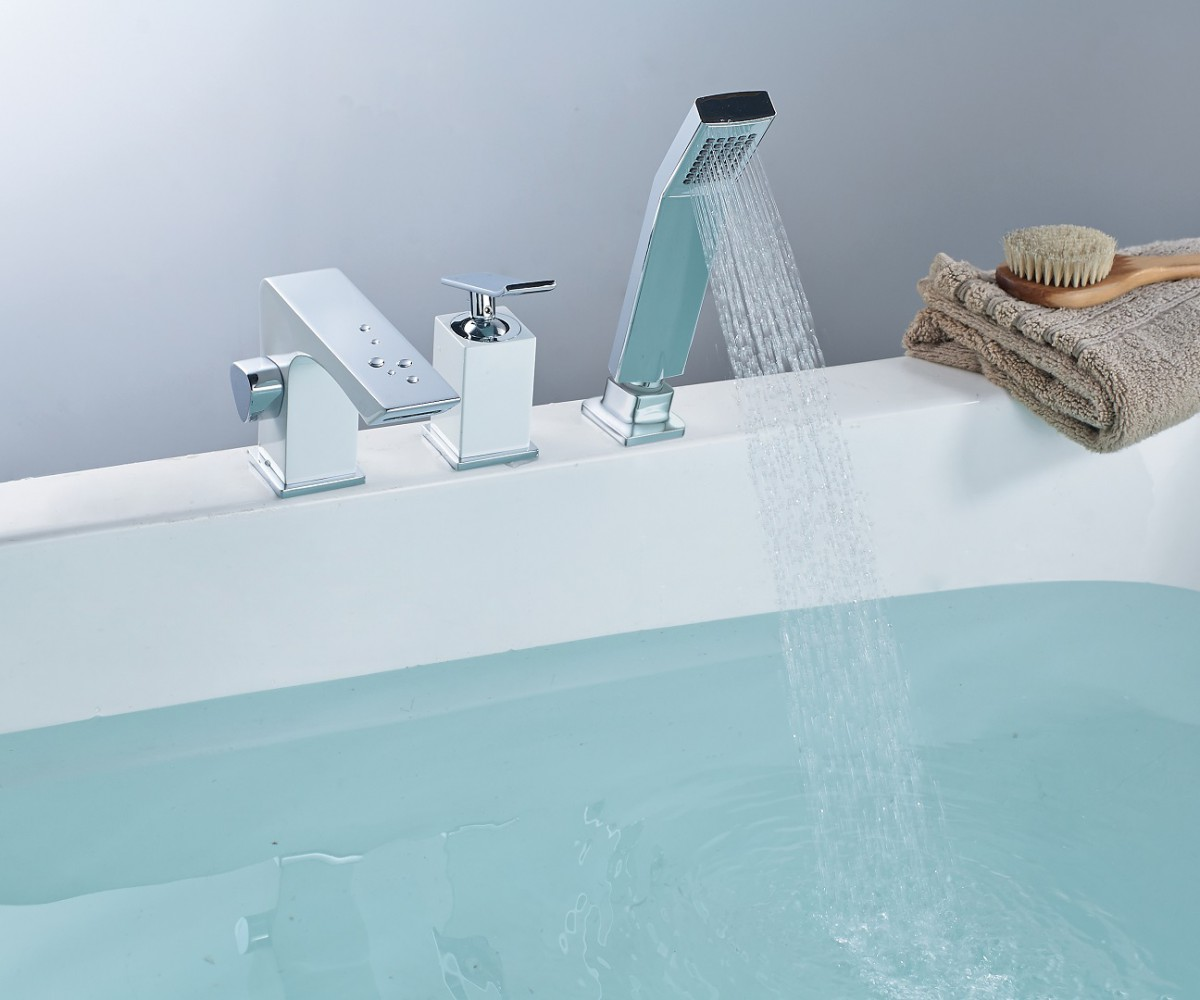 Смеситель на борт ванны Lemark Contest на 3 отверстия, хром/белый
