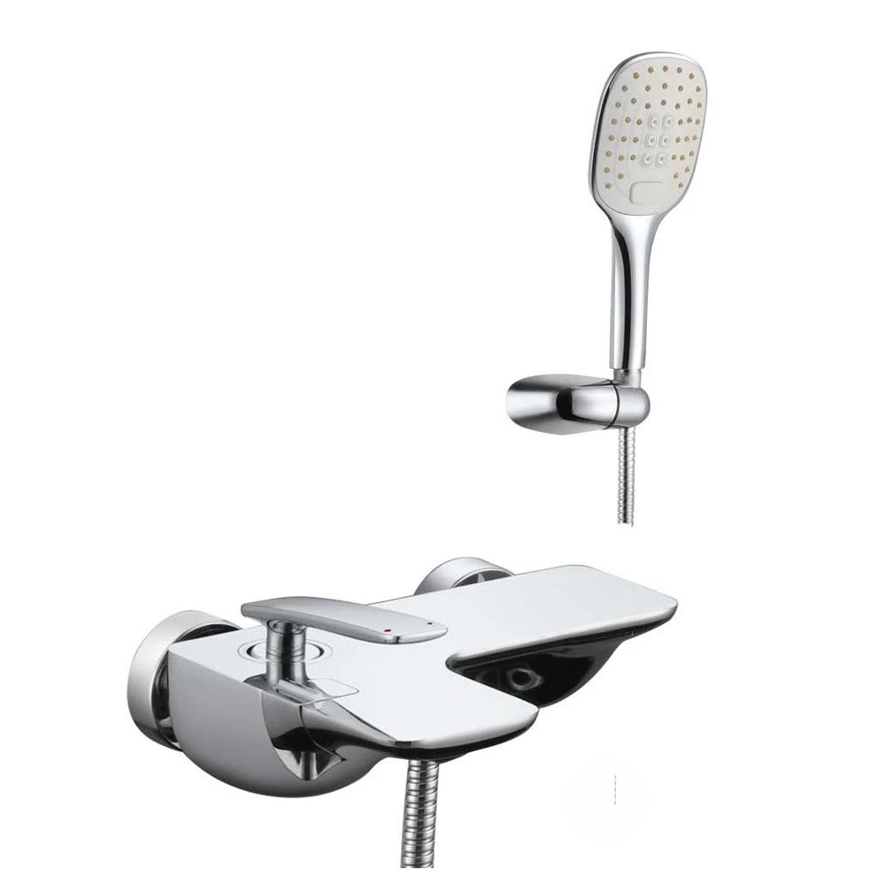 Смеситель для ванны Lemark Bellario с коротким изливом